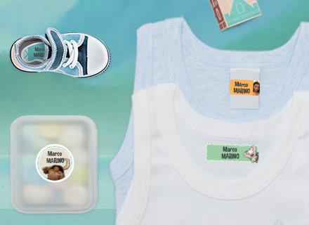 Des étiquettes Vaiana sur des fournitures débardeurs et une boîte