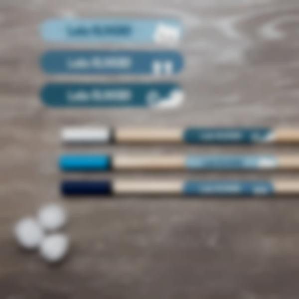 2 etichette piccole materiale scolastico penne
