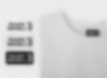 Des étiquettes de la Juventus Football Club avec le nom de votre enfant sur un t-shirt